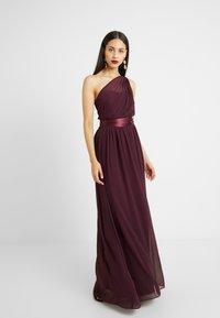 Dorothy Perkins Tall - SADIE SHOULDER DRESS - Vestido de fiesta - merlot - 2
