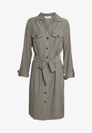 SHORT SLEEVE UTILITY DRESS - Kjole - khaki