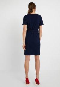 Dorothy Perkins Tall - D RING SHIFT - Pouzdrové šaty - navy - 2