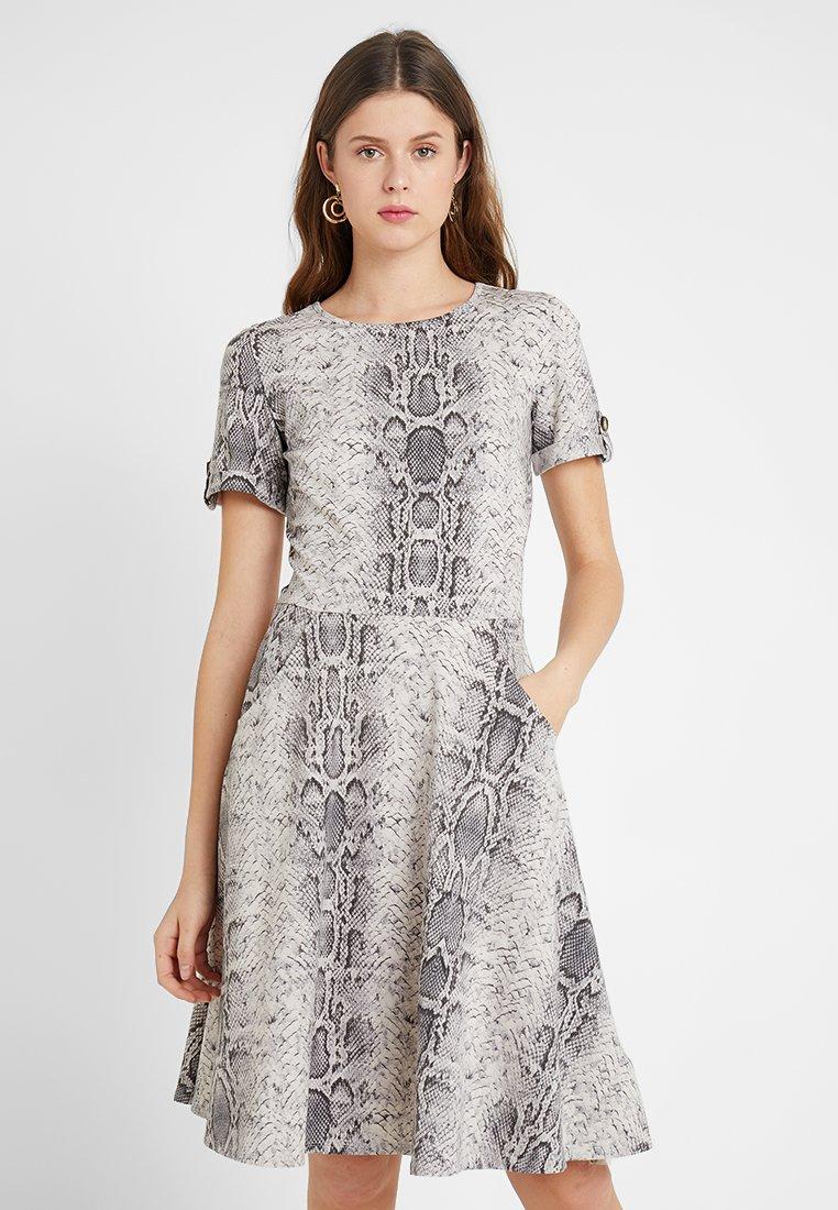 Dorothy Perkins Tall - SNAKE SHORT SLEEVE DRESS - Jerseykleid - stone