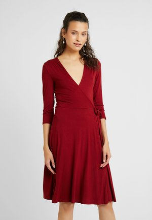 WRAP DRESS - Jersey dress - berry