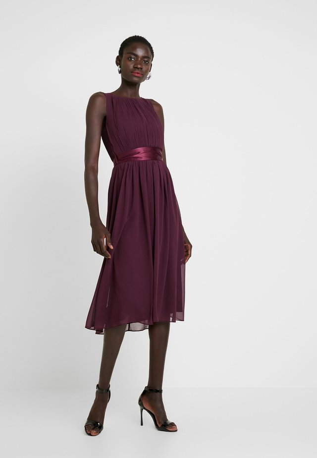 BETHANY MIDI - Cocktail dress / Party dress - oxblood