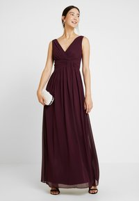 Dorothy Perkins Tall - DARCY DRAPE DETAIL V NECK MAXI DRESS - Vestido de fiesta - oxblood - 2