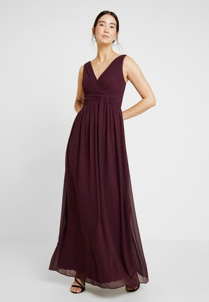 DARCY DRAPE DETAIL V NECK MAXI DRESS - Galajurk - oxblood