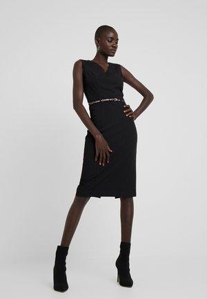 PENCIL DRESS WITH SNAKE BELT - Pouzdrové šaty - black