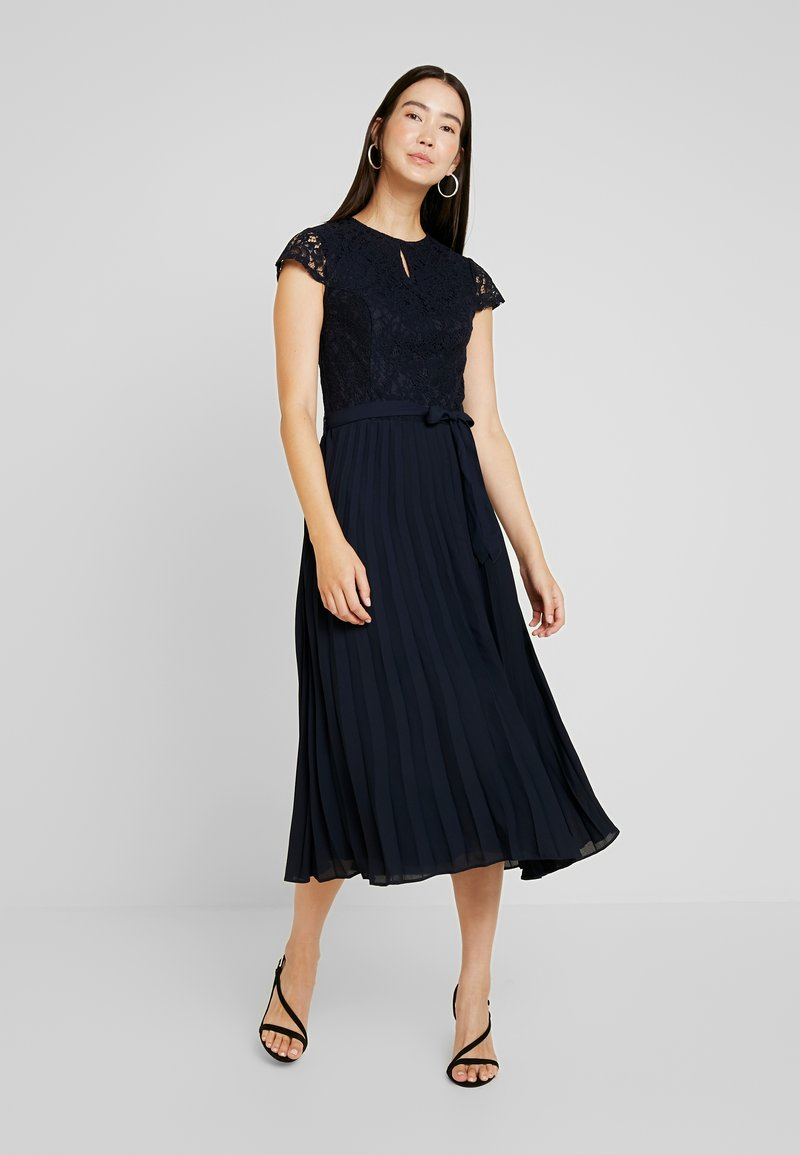 Dorothy Perkins Tall - BILLIE BLOSSON ALICE PLEATED DRESS - Cocktail dress / Party dress - navy