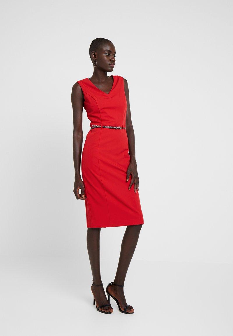 Dorothy Perkins Tall - BELT - Shift dress - red