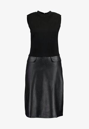 2 IN 1 DRESS - Jerseykjole - black