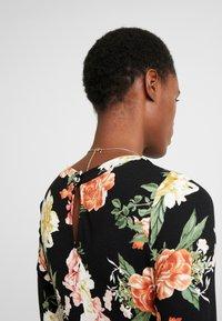 Dorothy Perkins Tall - FLORAL KEYHOLE DRESS - Maxikjole - black - 6