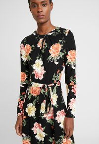 Dorothy Perkins Tall - FLORAL KEYHOLE DRESS - Maxikjole - black - 4