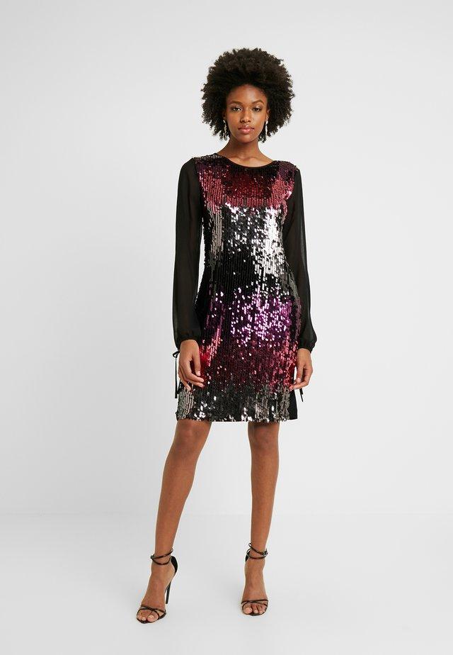 BILLIE LABEL LONG SLEEVE - Cocktail dress / Party dress - purple