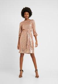 Dorothy Perkins Tall - TIE WAIST DRESS - Cocktailkjole - pink - 2