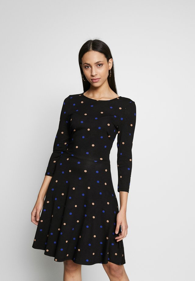 FIT AND FLARE DRESS - Trikoomekko - black