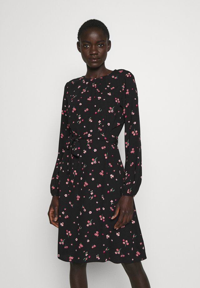 FLORAL SCOOP BACK PEPLUM FIT AND FLARE DRESS - Sukienka letnia - black