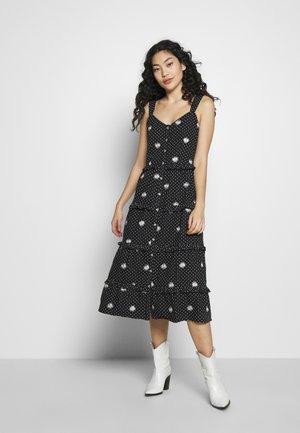 TALL DAISY EMBROIDERED CAMI DRESS - Denní šaty - black