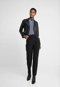 Dorothy Perkins Tall - HIGH NECK STRIPE - Långärmad tröja - navy - 1