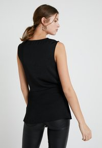 Dorothy Perkins Tall - BUCKLE SIDE SLEEVELESS - Blouse - black - 2