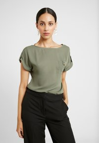 Dorothy Perkins Tall - PLAIN SOFT TEE - Blouse - khaki - 0