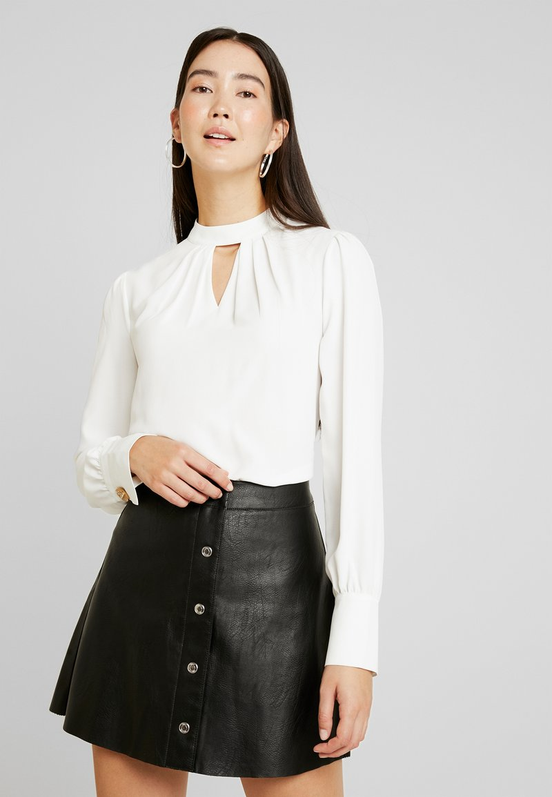 Dorothy Perkins Tall - PLAIN PLEAT NECK LONG SLEEVE - Bluzka - ivory