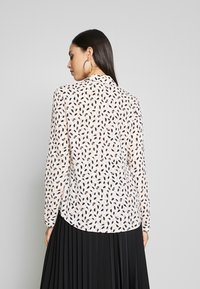 Dorothy Perkins Tall - ROLL SLEEVE TOP - Bluser - ivory - 2