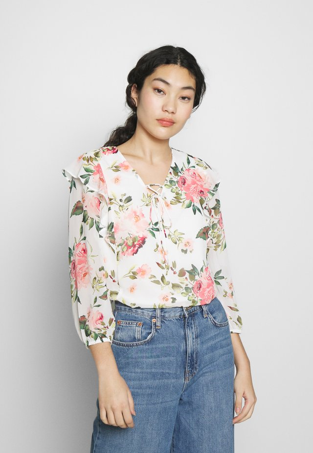 FLORAL RUFFLE BLOUSE - Blus - ivory