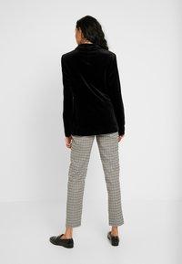 Dorothy Perkins Tall - Blazer - black - 2
