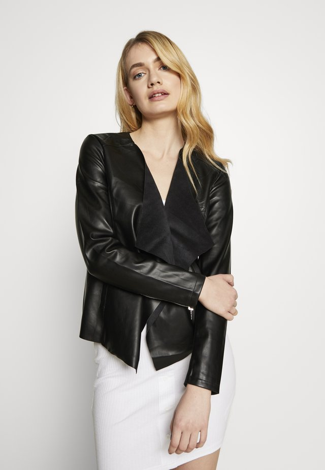 WATERFALL JACKET - Imitert skinnjakke - black