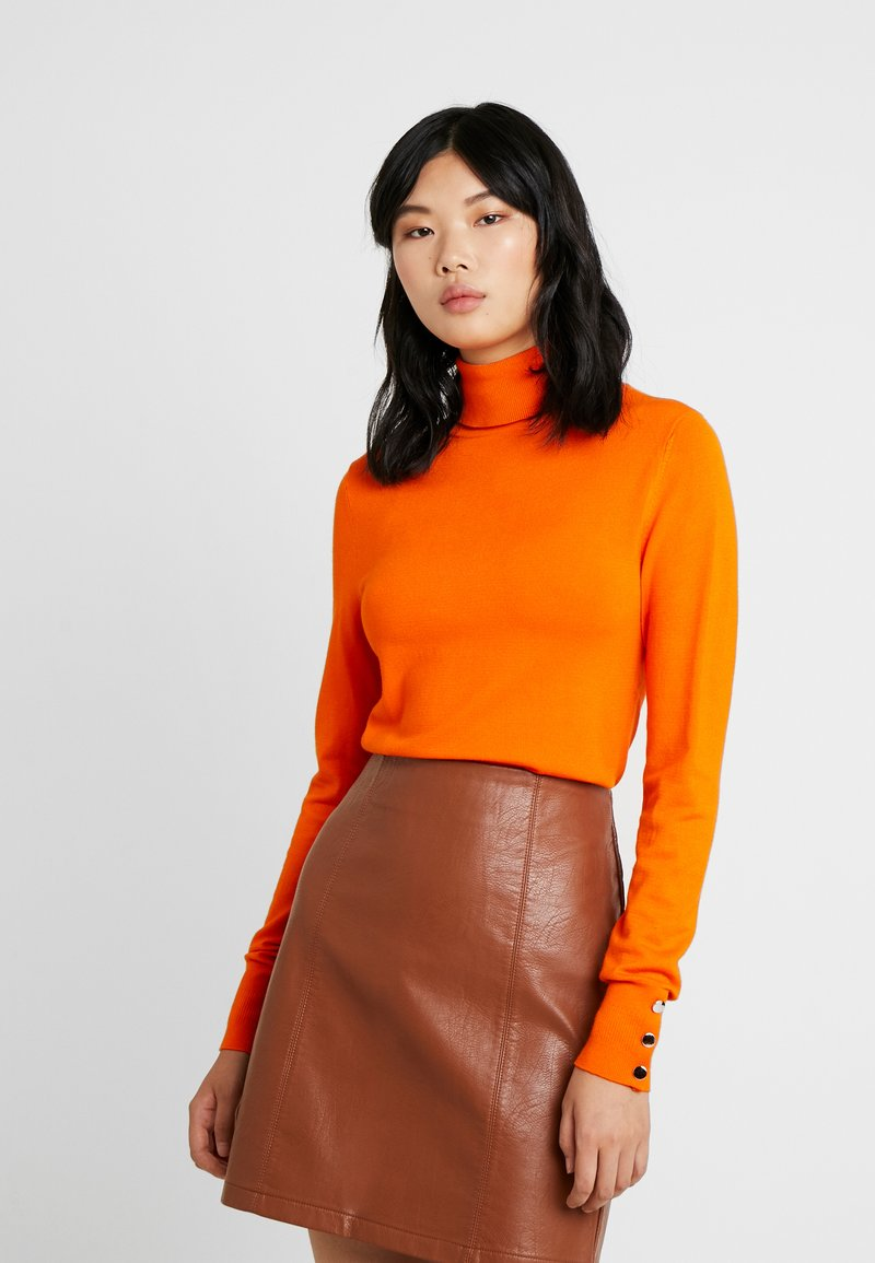 Dorothy Perkins Tall - BUTTON CUFF ROLL NECK - Stickad tröja - orange