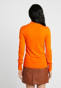 Dorothy Perkins Tall - BUTTON CUFF ROLL NECK - Stickad tröja - orange - 2