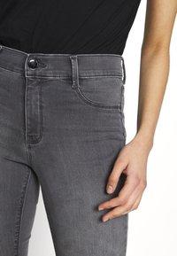 Dorothy Perkins Tall - FRANKIE - Jeans Skinny - light grey - 5