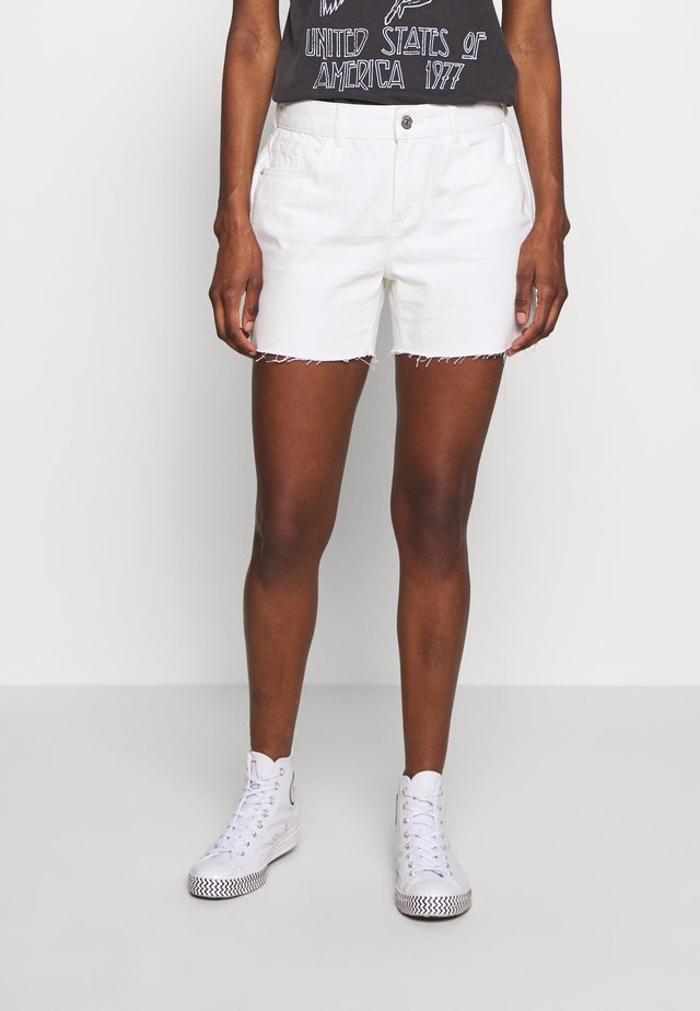 RAW SHORT - Denim shorts - white