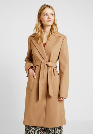 CAMEL PATCH WRAP - Classic coat - camel