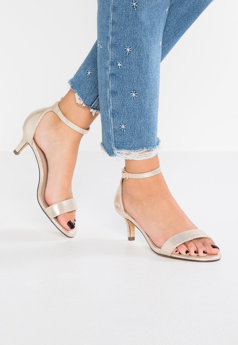 Dorothy Perkins Wide Fit - WIDE FIT SUNSET - Sandalias - gold