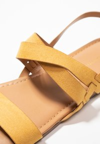 Dorothy Perkins Wide Fit - WIDE FIT FABIA - Sandály - yellow - 2