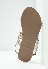 Dorothy Perkins Wide Fit - WIDE FIT FABIA - Sandály - gold - 5