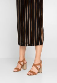 Dorothy Perkins Wide Fit - WIDE FIT SPYE CROSS OVER BLOCK  - High heeled sandals - tan - 0