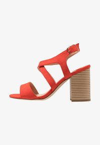 Dorothy Perkins Wide Fit - WIDE FIT SPYE CROSS OVER BLOCK  - Sandały na obcasie - red - 1