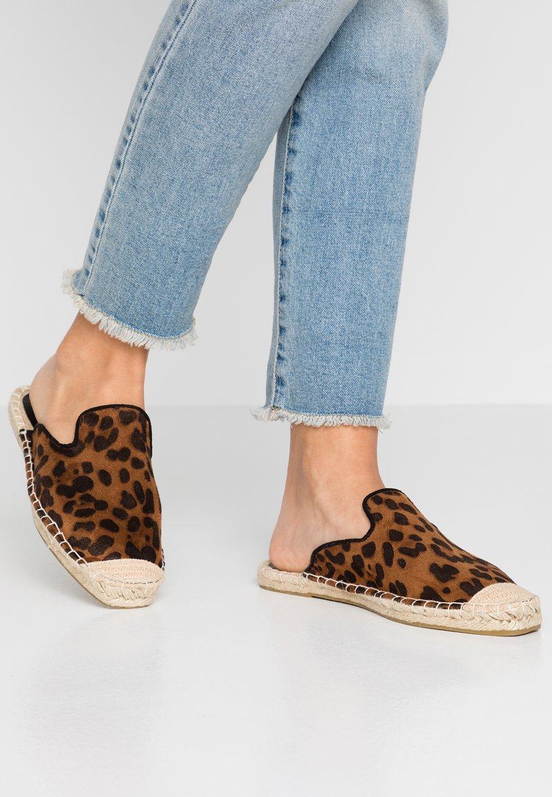 Dorothy Perkins Wide Fit - WIDE FIT CHICAGO MULE - Ciabattine - multicolor