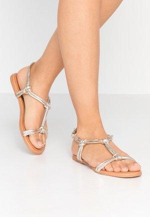 WIDE FIT JOJO TUBULAR TOE POST - Sandals - gold