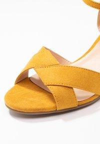 Dorothy Perkins Wide Fit - WIDE FIT REVEL ORIGAMI WEDGE - Sandály na klínu - ochre - 2
