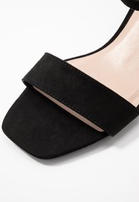 Dorothy Perkins - WIDE FIT BRIGHT SQUARE TOE BLOCK HEEL - Sandály - black - 2