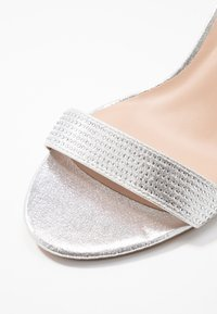 Dorothy Perkins Wide Fit - WIDE FIT BESSY - Sandały - silver - 2