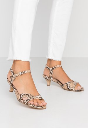 WIDE FIT SUNRAY TWIST LOW HEEL - Sandali - brown