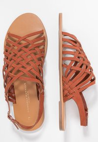 Dorothy Perkins Wide Fit - WIDE FIT FISHER - Sandalias - rust - 3