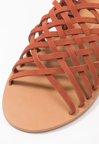 Dorothy Perkins Wide Fit - WIDE FIT FISHER - Sandalias - rust - 2
