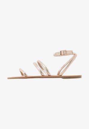 WIDE FIT TUBULAR  - Sandalias - gold metallic