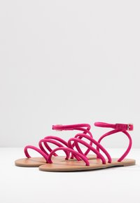 Dorothy Perkins Wide Fit - WIDE FIT TUBULAR  - Sandaalit nilkkaremmillä - pink - 4