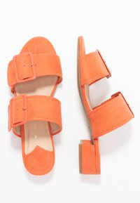 Dorothy Perkins Wide Fit - WIDE FIT BIBI BUCKLE SLIDE - Sandalias planas - orange - 3