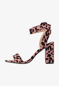 Dorothy Perkins Wide Fit - WIDE FIT BIKINI BLOCK - Sandály na vysokém podpatku - pink - 1