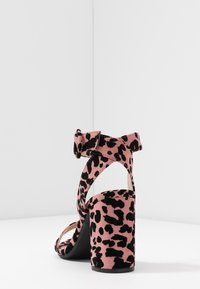 Dorothy Perkins Wide Fit - WIDE FIT BIKINI BLOCK - Sandály na vysokém podpatku - pink - 5